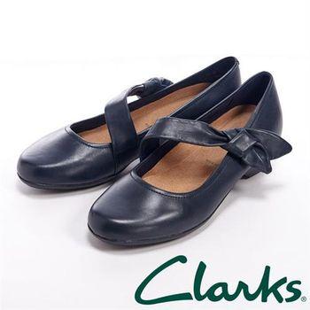 【Clarks】ELLA LORRAINE 蝴蝶結綁帶中跟鞋女鞋-深藍