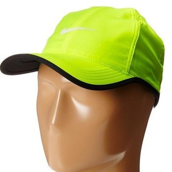 【Nike】2016男時尚Featherlight輕柔伏綠色帽子(預購)