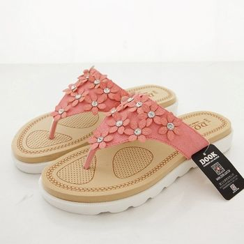 《DOOK》春漾花朵飾鑽夾腳拖鞋-甜嫩粉桔