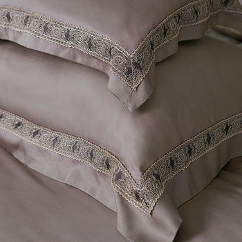 義大利La Belle《查理國王》雙人天絲蕾絲八件式防蹣抗菌兩用被床罩組
