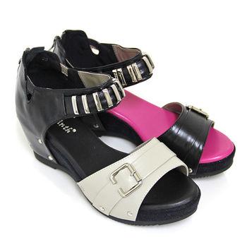 【GREEN PHOENIX】個性主義撞色金屬裝飾扣環繞踝釘扣全真皮楔型涼鞋-米色、黑色