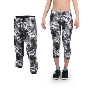 【PUMA】女印花緊身七分褲-內搭褲 緊身褲 慢跑 路跑 瑜珈 吸溼排汗 灰白