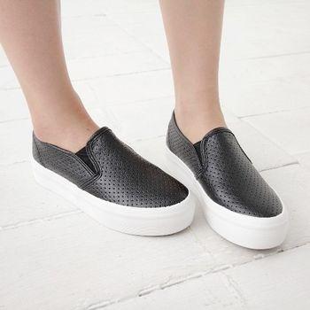 《DOOK》厚底懶人鞋-皮革簡約素面洞洞透氣設計-黑色