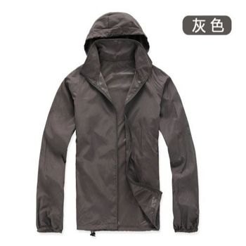 【M.G】(灰色)防風抗水遮日曬機能風衣  超輕薄,男性、女性都適穿,抗UV、防風、抗雨水,體積小巧易攜帶,有型又好看!