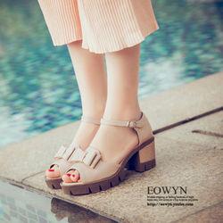 EOWYN甜美優雅蝴蝶結魚嘴一字釦環蘩裸粗跟涼鞋EMD04920-58/3色/34-39碼現貨+預購