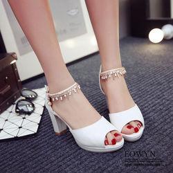 EOWYN韓系潮流新款魚嘴金屬鏈裝飾釦環蘩裸粗跟涼鞋EMD04963-67/3色/34-39碼現貨+預購