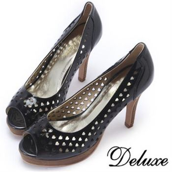 【Deluxe】全真皮甜美愛心簍空魚口跟鞋(黑★白)