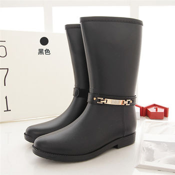 《DOOK》氣質美女時尚防水雨靴-黑色