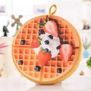 窩自在★創意3D仿真水果柔絨坐墊/抱枕/靠枕-草莓鬆餅