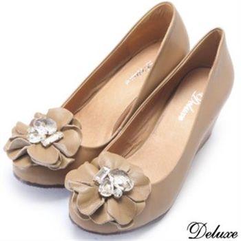 【Deluxe】全真皮水晶花朵氣質楔型包鞋(駝)