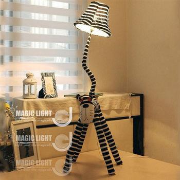 【光的魔法師 Magic Light】創意喵星人布藝卡通落地燈(條碼貓)