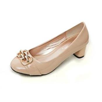 【☆Deluxe☆】美麗佳人-漆皮金屬飾扣簡約飾條粗低跟鞋(★黑★粉)