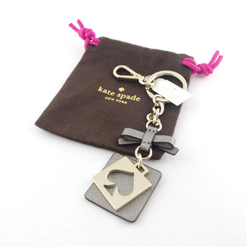 Kate Spade蝴蝶結桃心鐵牌鑰匙圈掛飾-灰色