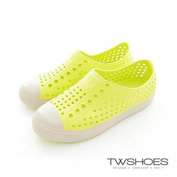 【TW Shoes】超輕人氣.奶油頭防水潮流鳥巢洞洞鞋/沙灘鞋/透氣休閒涼鞋(K132A1180)