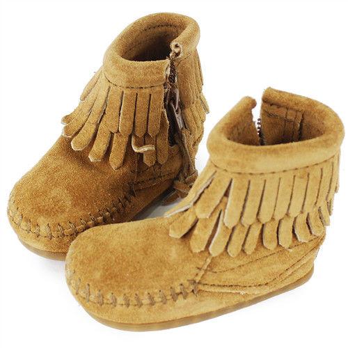 MINNETONKA 沙棕色雙層流蘇麂皮莫卡辛 嬰兒短靴