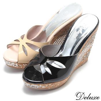 【Deluxe】漆皮真皮挖空楔型燙鑽涼拖鞋(黑)