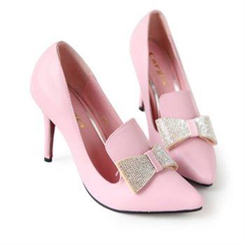 【Deluxe】鑲鑽蝴蝶結造型尖頭高跟鞋(粉/米)