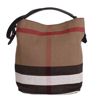 BURBERRY CANVAS 格紋麻料皮革邊手提肩背水桶包 (黑色)