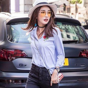 【理子時尚】藍色條紋刺繡印花翻領襯衫