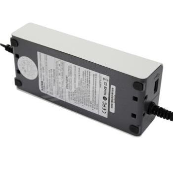 輕巧智能型汽機車脈衝式充電器附USB+3入擦拭巾+USB充電器