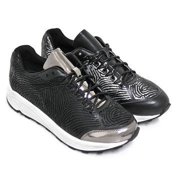 【GREEN PHOENIX】BIS-VITAL 未來時尚3D列印指紋紋路金屬光感綁帶牛皮厚底休閒鞋-銀色、黑色