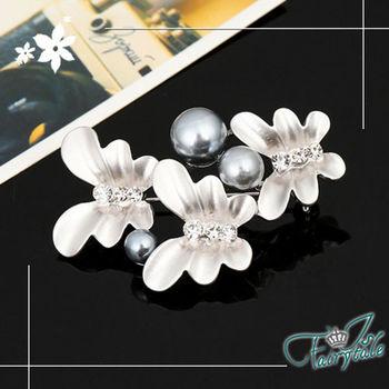 【伊飾童話】珍珠群蝶*消光金屬胸針/銀