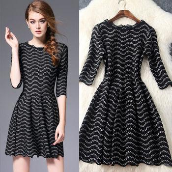 【M2M】圓領針織波浪皺摺五分袖連衣裙(共三色)