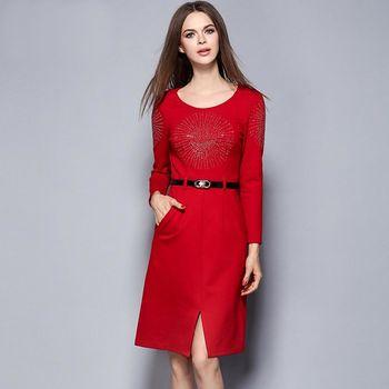 【M2M】紅色長袖圓領鑲鑽腰帶開衩連衣裙