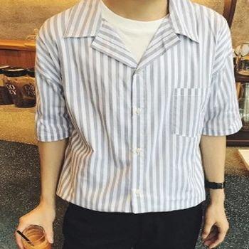 【協貿國際】寬鬆版條紋短袖襯衫男單件