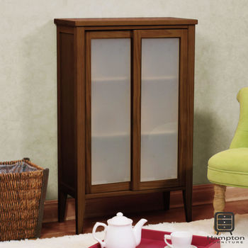 漢妮Hampton凱恩松木小雙門玻璃櫃-兩色可選