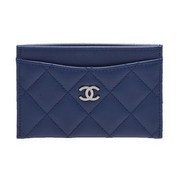 CHANEL 經典雙C LOGO菱格紋小羊皮銀釦信用卡夾(海軍藍)