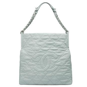 CHANEL 經典菱格紋雙C LOGO羊皮銀鍊方型肩背包(淺灰藍色)