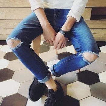 【協貿國際】韓版水洗膝蓋割破牛仔褲男士單件