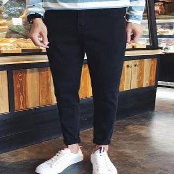 【協貿國際】黑色牛仔褲男士韓版修身小腳水洗男長褲單件