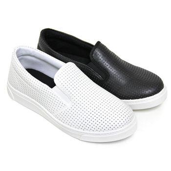 【Pretty】韓版個性雕孔直套式休閒鞋-白色、黑色