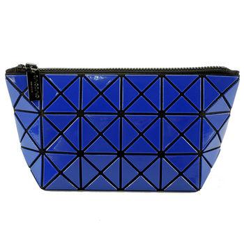 【ISSEY MIYAKE 三宅一生】BAOBAO幾何方格3x6萬用化妝包(寶藍)