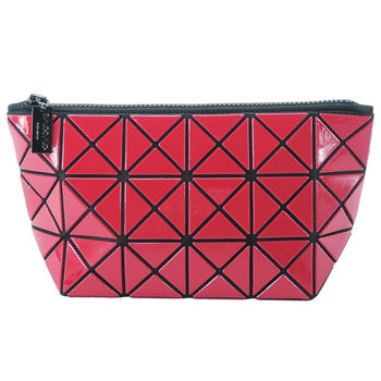 【ISSEY MIYAKE 三宅一生】BAOBAO幾何方格3x6萬用化妝包(紅)