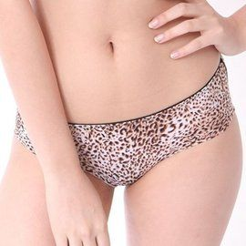 【Famis 汎迷絲】超細纖維貼身無痕內褲 小豹紋 WE71101