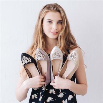 TTSNAP內增高-MIT奢華愛心水鑽尖頭平底鞋 共四色(黑/銀/金/錫)