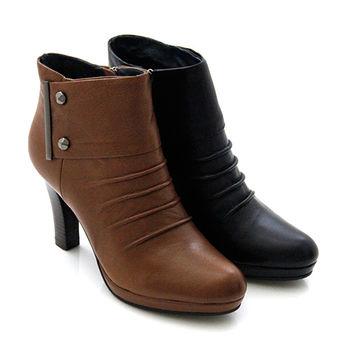 【GREEN PHOENIX】全真皮時髦自然抓皺釘釦高跟踝靴-棕色、黑色
