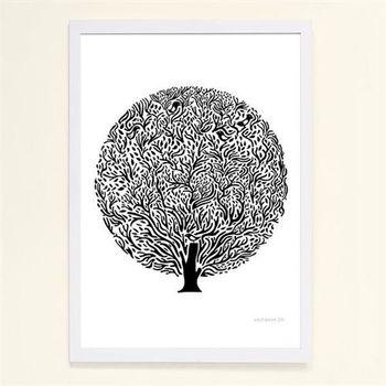 【摩達客】西班牙知名插畫家Judy Kaufmann藝術創作海報掛畫裝飾畫-屋樹草 (附Judy本人簽名)(含木框)
