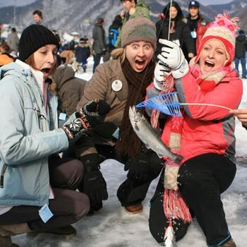 【除夕出發】韓國釣冰魚滑雪首爾塔KITTY塗鴉秀4日