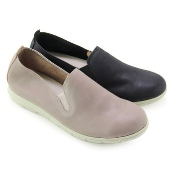 【GREEN PHOENIX】素面套入式臘感牛皮平底休閒鞋-黑色、灰色