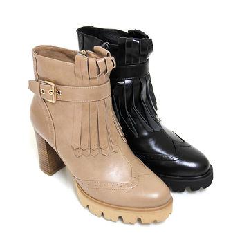 【GREEN PHOENIX】BIS-VITAL 牛津流蘇金屬飾扣義大利油臘牛皮粗高跟短靴-駱駝色、黑色