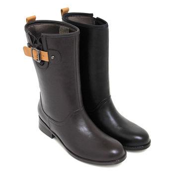 【GREEN PHOENIX】率性主義撞色金屬皮扣平底中筒雨靴-咖啡色、黑色