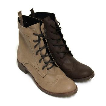 【Pretty】英式經典甜美雕花牛津低跟短靴-駱駝色、咖啡色