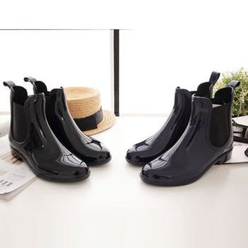 《DOOK》英倫雅痞風Chelsea鬆緊帶短筒雨靴亮面款(黑色藍色)