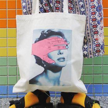 【SEIO】帆布包 環保包 經典歐美 SEIO 自定款設計環保帆布包 厭世遮眼少女 手拿肩背包