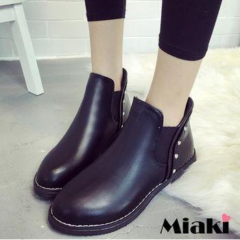 【Miaki】短靴韓鉚釘復古亮皮圓頭低筒平底包鞋 (黑色)