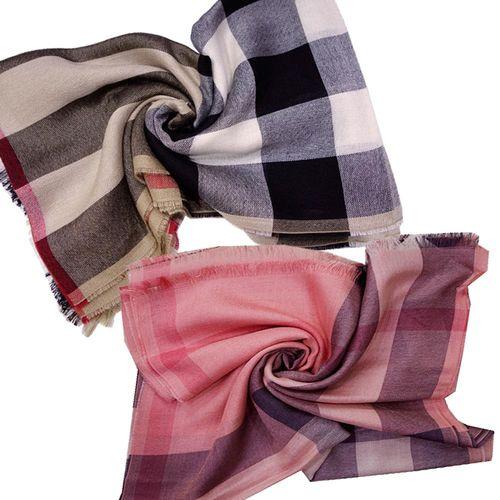 【BURBERRY】經典方格紋披巾/圍巾(2色)